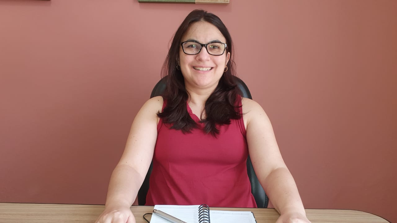 Eveline Massa Ribeiro