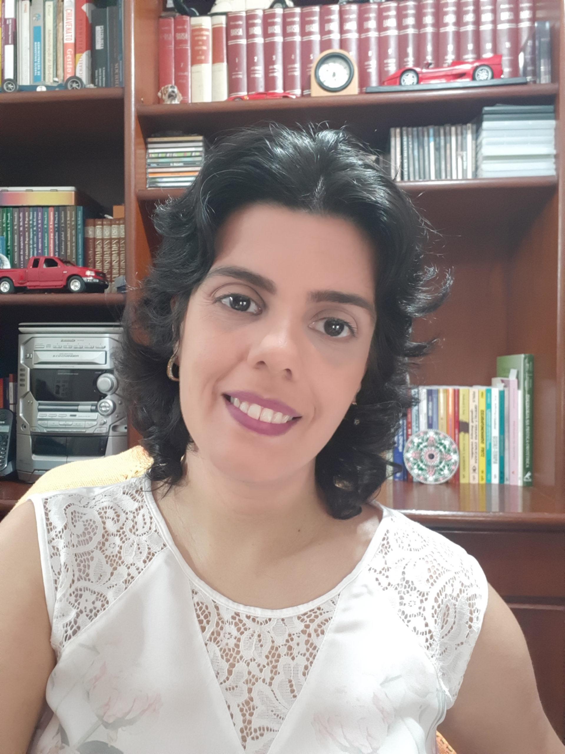 Luciana Lopes de Magalhães